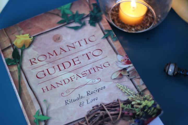 Book Review: A Romantic Guide to Handfasting